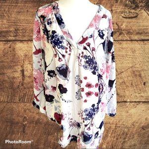 Rose & Thyme white v-neck Floral Blouse Plus Sz 1X